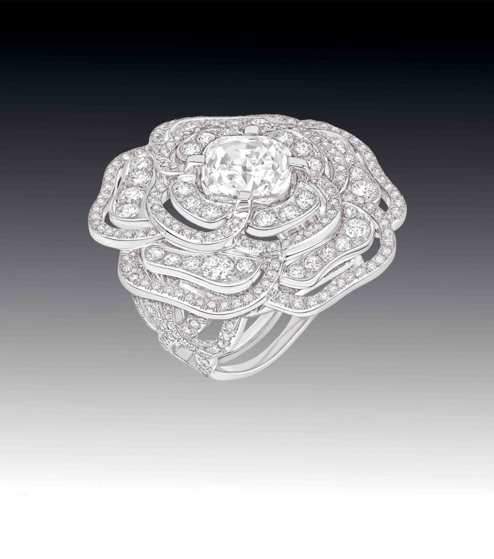 Chanel Fine Jewellery camelia ring