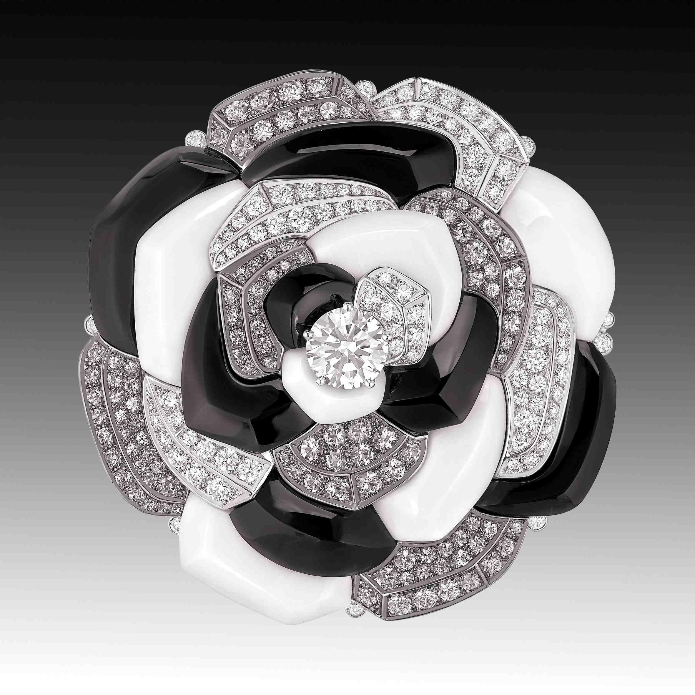 Chanel Fine Jewellery Contraste de camelia ring